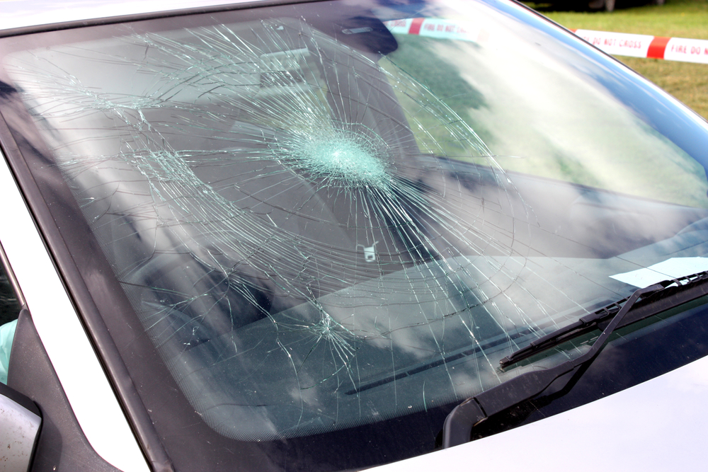 how long can you drive with a cracked windshield glasshopper. Black Bedroom Furniture Sets. Home Design Ideas